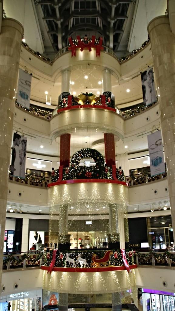 台北101ショッピングセンター内の装飾