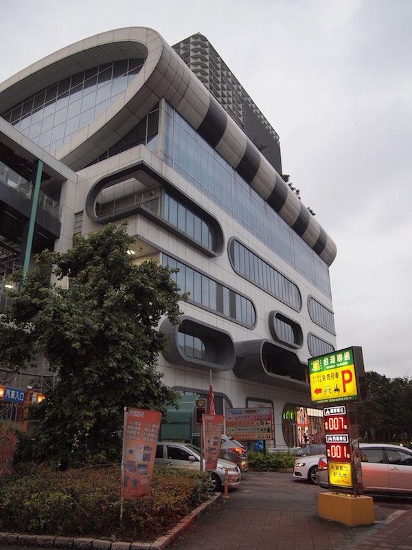 台湾・台北の秋葉原!ガジェット好きにはたまらない!?「光華商場」